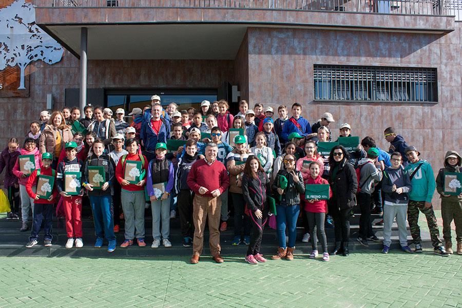 El Fresno conmemora el Día Mundial del Agua explicando su gestión a alumnos del Virgen de Montemayor de Moguer